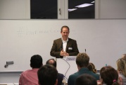"""HWR meets Marketing mit Podiumsdiskussion zu """"Marketingorganisation der Zukunft: Das Beispiel Elektromobilität"""""""